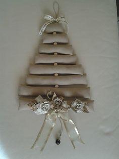 Albero di Natale in cotone grezzo