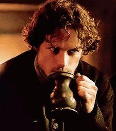 Sam Heughan on being an 'Outlander' heartthrob Outlander Gifs, Outlander Season 1, Outlander Book Series, Outlander Tv Series, Diana Gabaldon Books, Diana Gabaldon Outlander Series, Jaime Fraser, And So It Begins, Movies