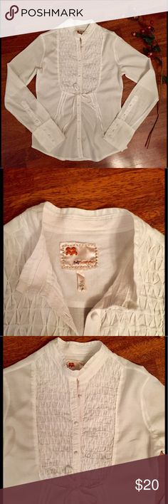 Twill Twenty Two white button down size S Twill Twenty Two button down blouse with diamond pin tuck front. 100% cotton. Marked P- measurements approximate a size small. Approximate measurements: chest 36 inches, length 24 inches. Twill Twenty Two Tops Button Down Shirts