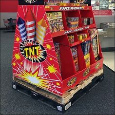 Many Holidays are ripe for celebratory selling like this Fireworks Double-Pallet Display Merchandising. Curiously the double pallet aspect kicks up the. Pallet Display, Pos Display, Retail Fixtures, Trestle Table, Corrugated Metal, Merchandising Displays, Pallet Projects, Wood Pallets, Fireworks
