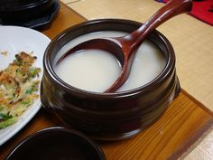 Discover This Drink: Makgeolli—It's Alive!