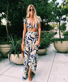 Love the pattern. Outfit would be great for vacation!