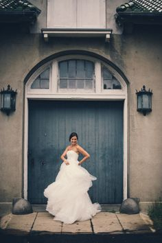 we love a Bride with a little sass Photography by Carla Ten Eyck Photography / carlateneyck.com/ #Brides