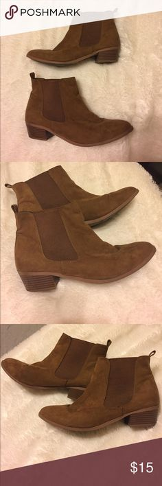 Cute and casual brown booties size 9! I love these booties! They're super cute, casual, and very comfy! Size 9 and good condition! Worn only a few times, but no stains and only minor scuff marks on the bottoms. Low heal about 1 and 1/2 inch. Shoes Ankle Boots & Booties