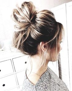Wedding Hairstyles for Fine Hair. 30 Best Of Wedding Hairstyles for Fine Hair. 40 Irresistible Hairstyles for Brides and Bridesmaids Lazy Day Hairstyles, Messy Bun Hairstyles, Winter Hairstyles, Cool Hairstyles, Hairstyle Ideas, Messy Updo, Wedding Hairstyles, Hair Ideas, Easy Hairstyle