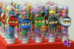O Eduardo, como praticamente todos os meninos dessa faixa etária amam o Ninja Go,sabem tudo sobre eles . . . e agora nós também!... Ninja Birthday, Lego Birthday Party, Cars Birthday Parties, Lego Ninjago, Ninjago Party, Festa Ninja Go, Benjamin Bunny, Lego Craft, Minecraft