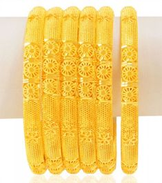 Plain Gold Bangles, Gold Bangles Design, Gold Jewellery Design, Gold Jewelry, Designer Bangles, Gold Necklace, Jewelry Design Earrings, Necklace Designs, Bangle Set