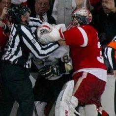 Love this shot of Jimmy Howard facewashing Sidney Crosby!!!