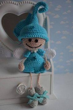 Amigurumi Little Elf Angel-Free Pattern (Amigurumi Free Patterns) – Crochet Pattern and ideas Amigurumi Free, Crochet Patterns Amigurumi, Amigurumi Doll, Cute Crochet, Crochet Crafts, Crochet Projects, Crochet Angels, Handmade Toys, Doll Patterns