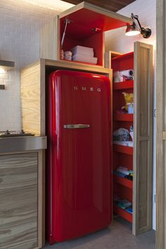 Love the functional small-kitchen storage, and of course the red fridge! Micro Apartment, Small Apartments, Kitchen Design, Red Fridge, Retro Fridge, Interior, Small Kitchen Storage, Home Decor, Apartment Interior