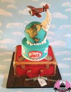 Gravity cake avec un avion et un globe terrestre / Amazing gravity cake with a globe and a flying plane !