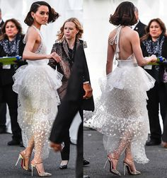 """Daisy Ridley Wows in White Chloe Dress and Christian Louboutin """"Rivierina"""" Pumps at """"Star Wars: The Force Awakens"""" L.A. Premiere"""