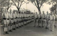 Soldados de reemplazo residentes en la Guinea Española. Mili en Melilla • Ver Tema - Los últimos territorios españoles en África (1898–1975).