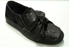 Feminin auf leisen Sohlen: Pailletten-Sneaker mit Schleife von ras Everyday Shoes, Slip On, Sneakers, Fashion, Ribbon Work, Loafers, Sequins, Boots, Handbags