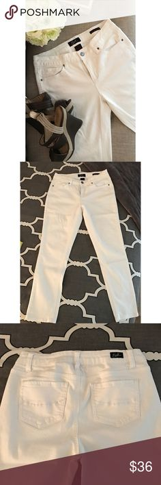 "Earl Jeans • white ankle jeans These pants are so amazing! Very stretchy and so soft, almost like a jegging! Flattering cut and can be worn cuffed or uncuffed as seen in the photos. Mid rise, hits a few inches below my belly button. Only worn once to the office. In EXCELLENT condition and from a pet free and smoke free home. Bought at Macy's. Fit reference : 5'-3"" 130 pounds. Earl Jeans Jeans Ankle & Cropped"