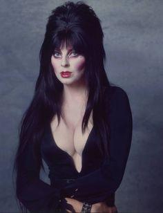 Cassandra Peterson, Dark Beauty, Goth Beauty, Elvira Movies, Female Vampire, Dark Pictures, Gothic Pictures, Stock Pictures, Brunette Beauty