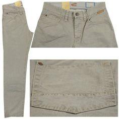 Style: 488335 ; Art: 7441 ; Farbnr.: 05  Farbe: hellgrau Jeans silber  Form Hudson hat eine normale Leibhöhe und einen schmalen, geraden Beinverlauf. Fußweite 44 cm. Mit Reißverschluss.  Zusammensetzung: 97% Baumwolle und 3%Elasthan ergeben hohen Tragekomfort und lange Haltbarkeit. Pflegehinweis: bei 40 Grad waschbar.  Bundweiten- und Längenangaben in Inch.