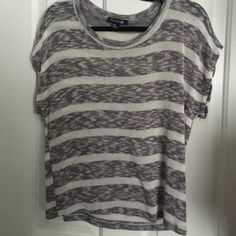 Forever 21 knit shirt Forever 21 knit shirt. Size medium. One small snag on the front (shown in picture). Only worn once. Forever 21 Tops Blouses