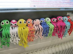 Kaarisillan käsityö Crochet Hats, Hand Crafts, Accessories, Knitting Hats, Craft, Art Crafts, Jewelry Accessories