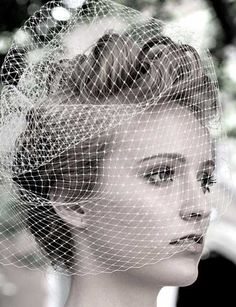 Pixie cut hair for bride. Pixie cut hair for bride. Vintage Wedding Hair, Short Wedding Hair, Wedding Veils, Trendy Wedding, Wedding Styles, Wedding Ideas, Short Hair Cuts, Short Hair Styles, Pixie Cuts