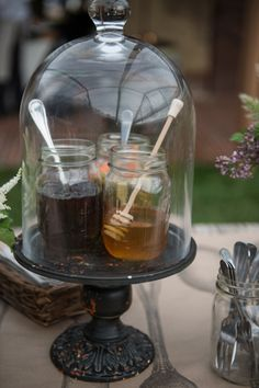 honey + jam centerpieces | Allan Zepeda, Jeremie Barlow, Carla Ten Eyck #wedding