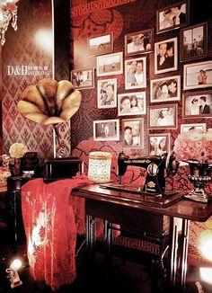 Chinese Wedding Decor, Oriental Wedding, Chinese New Year Decorations, New Years Decorations, Old Shanghai, Shanghai Night, Shanghai Tang, Photo Album Display, Wedding Table Deco