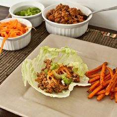 Buffalo Wing Turkey Lettuce Wraps: a healthy alternative to those delicious hot wings! Buffalo Chicken Lettuce Wraps, Turkey Lettuce Wraps, Turkey Wraps, Lettuce Leaves, Great Recipes, Favorite Recipes, Healthy Recipes, Healthy Options, Healthy Foods