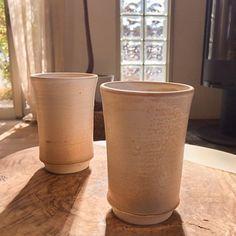 こちらの写真は住工房でお客様にコーヒーをお出しする時に使用しているカップです  住工房で陶芸教室を開いて下さっている先生の作品です  住工房では週に二回(火曜日曜)陶芸教室も行っております  陶芸教室に通われている生徒さんの作品を見ているとどれも個性的で生徒さんの気持ちが込められていて  見ているだけで刺激を受けます!  ある生徒さんがお孫さんのためにお抹茶のお椀を一生懸命作る姿がとても印象的で誰かのためを思って作製するのって本当に素敵だなと感じました  講師の先生はとても優しく気さくな先生です  体験もありますので気軽にお問合わせ下さいね