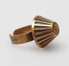 Kalevala Koru, vintage bronze ring. #Finland | © Gomér  Andersson via Auctionet.com Jewelry Art, Jewelry Rings, Fashion Jewelry, Bronze Ring, Handmade Rings, Art Object, Finland, Jewelry Stores, Cuff Bracelets