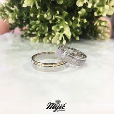 Lovely couple, lovely rings ❤️🎀 #burme #weddingrings #belozlato #gold #zlatar #zlatara #zlataramijic #grocka #beograd #srbija #goldsmith #vencanica #wedding #vencanje #svadba #prsten #bride #instasmithy #instajewelrygroup #love #weddingbands #ljubav