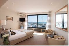 valerie karsenti beaut s de l 39 cran pinterest. Black Bedroom Furniture Sets. Home Design Ideas