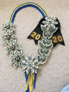 Money Creation, Hawaiian Leis, Graduation Leis, Homecoming Mums, Way To Make Money, Collar, Crowns, Wrapping, Projects To Try