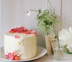 http://www.oncewed.com/wp-content/uploads/2009/06/sarah-magid-cakes.jpg