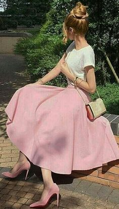 21 Super Ideas for skirt outfits pink shirts Stylish Formal Skirts for Women To Wear To Office Modest Dresses, Modest Outfits, Skirt Outfits, Modest Fashion, Dress Skirt, Fashion Dresses, Dress Up, Cute Outfits, Pink Outfits