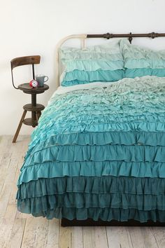 Sigh. Maybe hubs and I need to have separate bedrooms so I can have this as my bedspread.