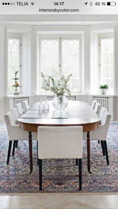 contemporary chairs with traditional table Ikea Dining, Dining Area, Dining Chairs, Bright Dining Rooms, Living Rooms, Contemporary Chairs, Interior Decorating, Interior Design, French Interior