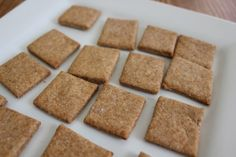 homemade whole wheat crackers (like Wheat Thins) super easy