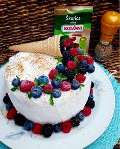 FOODBLOGER Monika : Forest fruit torta - nie som kokosová, ale chutím tak