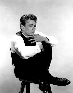 James Dean. I loooooove this man! My ultimate star crush!