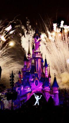 Disney Dream, Disney Love, Disney Parks, Walt Disney, Disneyland Paris Castle, Disney Aesthetic, After Dark, Disney Stuff, Disney Vacations