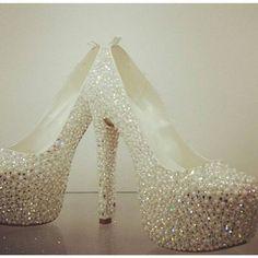 #2015gelinayakkabısı #gelinayakkabısı #GelinAyakkabısıÖrnekleri  http://xn--gelinsamodelleri-ipb.com/2015/09/29/gelin-ayakkabisi-ornekleri/8/