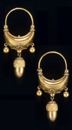 Castellani - A pair of antique gold earrings, Rome, Italy, 1850-60. Length 4.8cm. #Castellani #antique #earrings