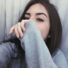 eyebrows on fleek ☼ ☾ Tumblr Selfies, Photos Tumblr, Best Selfies, Girls Selfies, Tmblr Girl, Girls Heart, Eyebrows On Fleek, Selfie Poses, Girl Photography Poses
