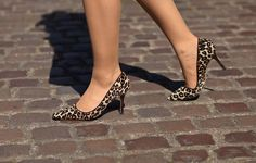 Leopard print shoes by Manolo Blahnik Leopard Print Shoes, Leopard Pumps, Fab Shoes, Manolo Blahnik, Kitten Heels, Leather, Pretty, Fashion, Moda