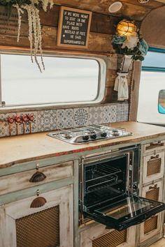 Van Conversion Interior, Van Interior, Camper Life, Camper Van, Bus Life, Airstream, Camping Car Mercedes, Celle Que Vous Croyez, Shabby Chic Campers