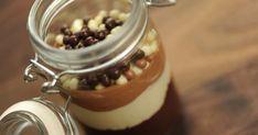 Découvrez cette recette de Verrine aux trois chocolats pour 4 personnes, vous adorerez! Chocolate Jar, Chocolate Desserts, What To Cook, Panna Cotta, Deserts, Sweets, Baking, Ethnic Recipes, Juliette