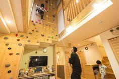 子どもたちが大好きなボルダリングは、お父さんのロープ補助のもとに楽しむ決まり
