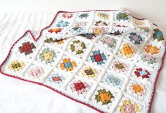 Granny square baby blanket crochet pattern by Little Doolally