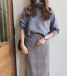 Minimalist Fashion - My Minimalist Living Seoul Fashion, Korean Street Fashion, Work Fashion, Modest Fashion, Ulzzang Fashion, Hijab Fashion, Fashion Outfits, Looks Style, Looks Cool