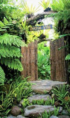 Payangan Ubud Bali, beautiful entrance to Heaven in Bali Best Picture For tropical garden ideas simp Tropical Backyard Landscaping, Tropical Garden Design, Tropical Plants, Bali Garden, Balinese Garden, Garden Art, Ubud Bali, Deco Nature, Natural Garden